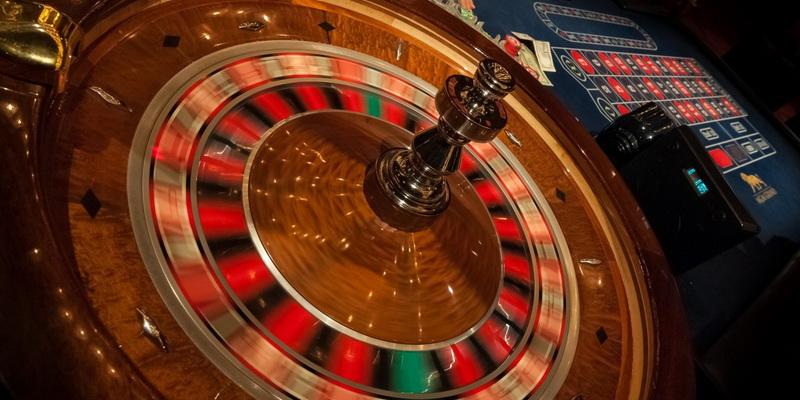 Ruletės ratas ir stalas