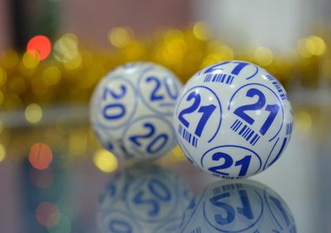 Du kamuoliukai 20 ir 21