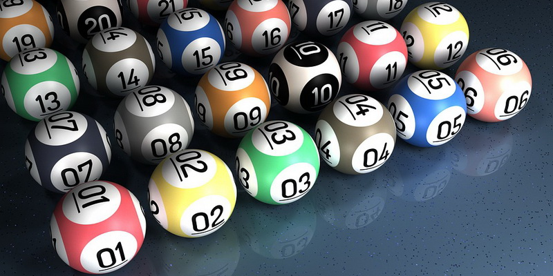 Keno loto taisyklės spalvoti kamuoliukai